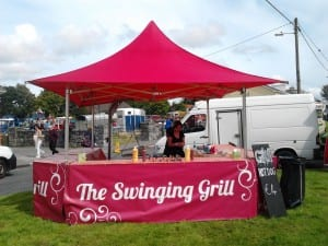 The-swinging-grill1-300x225